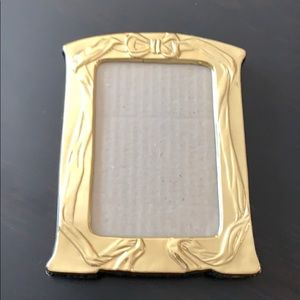Gold bow picture frame